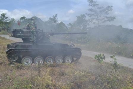 Latihan Menembak Senjata Kendaraan Tempur Yonkav 6/NK