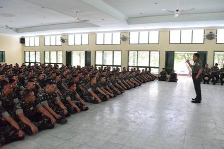 Pangdam I/BB Mayjen TNI Cucu Somantri kunjungi Yonkav 6/NK