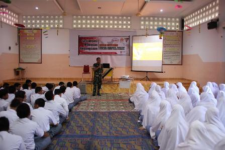 Danyonkav 6/NK Sosialisasi Wawasan Kebangsaan  di Al-Fityan School